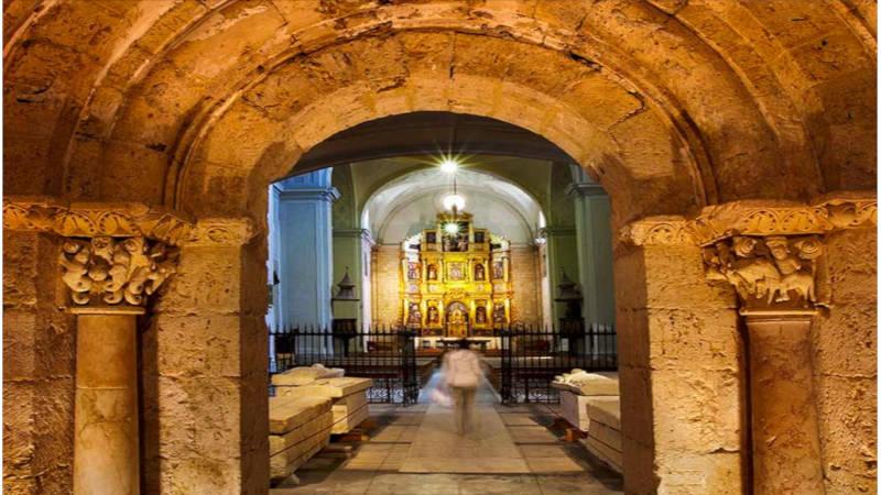 Una interesante recorrido a monumentos religiosos en el Camino de Santiago