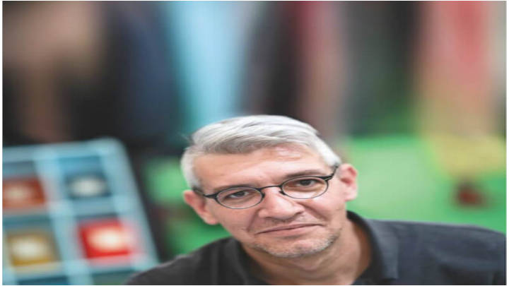 """El original escritor expone en la feria Internacional  del Libro de Bogotá, su última obra"""" No contar todo"""""""