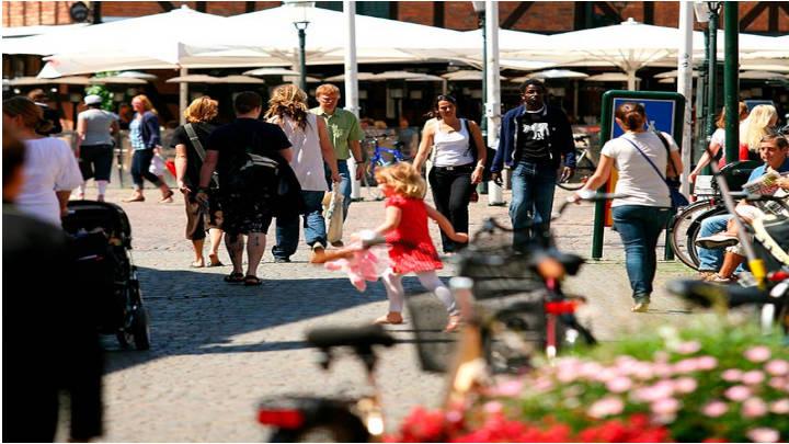 Malmö perfecta para recorrer en bicicleta, dinamica, rápida y segura.
