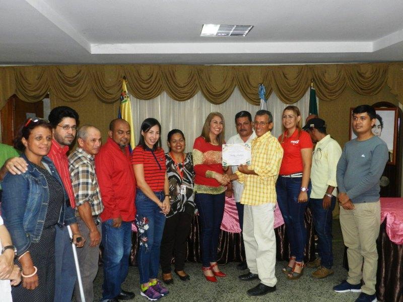 Freddy Arveláez se contó entre los periodistas que recibieron reconocimientos (1)