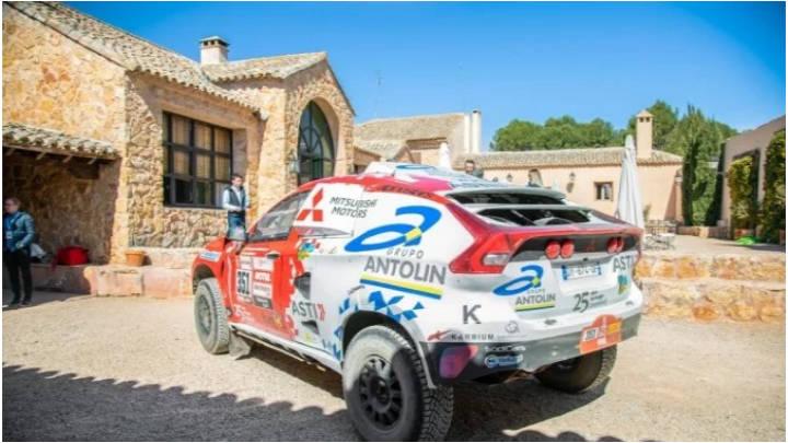 Experimenta la rudeza del desierto en el Rally Dakar 2020.