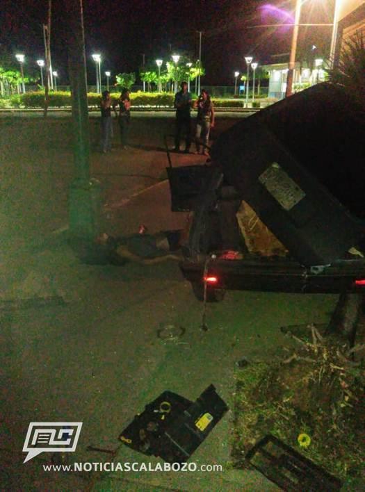 El joven quedó muerto de manera instantanea en el sitio. Foto: noticiascalabozo.com.ve