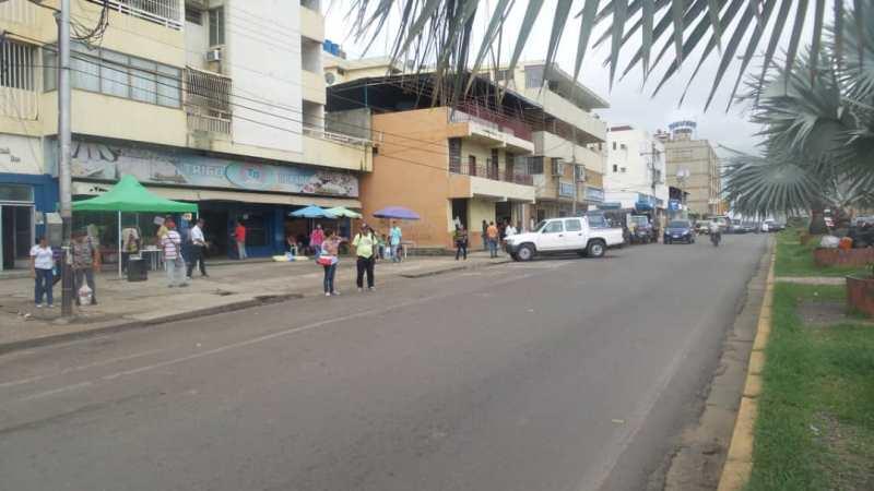 En horas de la mañana en algunas paradas se observaban despejadas de vehículos