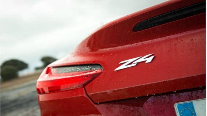 Las prestaciones del coche, su rendimiento, la velocidad, su aceleración y comportamiento son lo máximo.