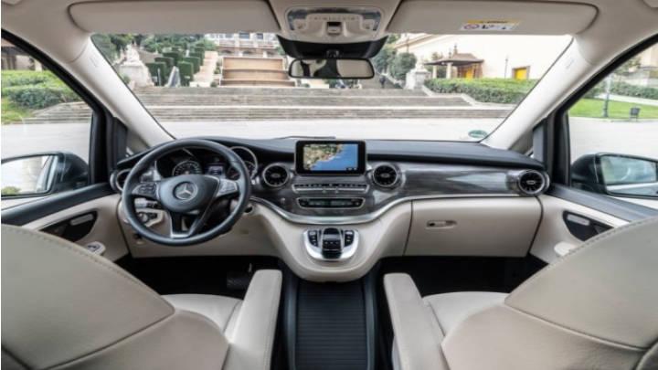 Estilo propio del Mercedes con lujo y espacio