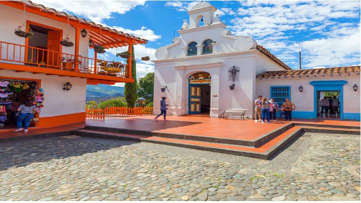 El pueblo Paisa, el ambiente tradcional de la ciudad
