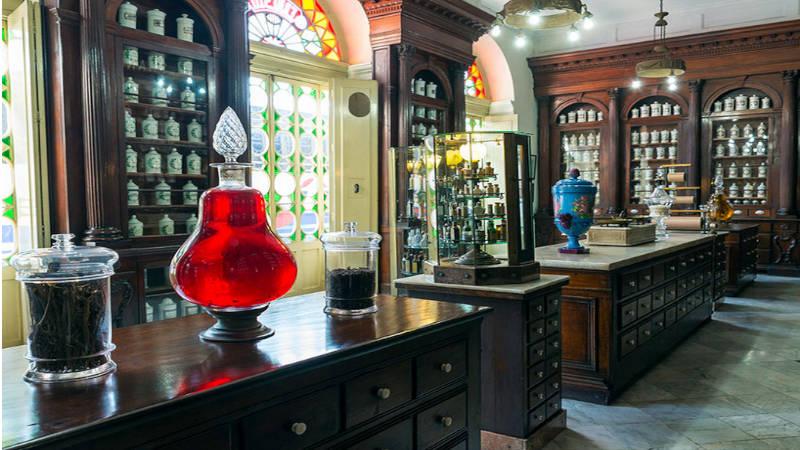 La botica de siglo XVIII, donde el tiempod se detuvo, un museo de gran contenido mundial