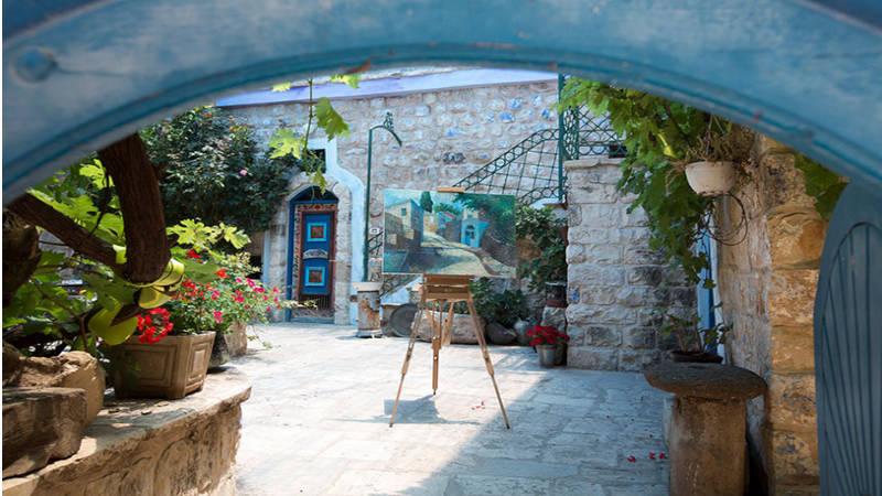 El arte de los artistas de Safed ilumina sus calles empedradas