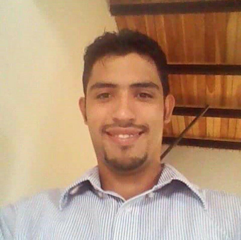 Yohan Rafael Requena Pimentel de 30 años murió al volcar la camioneta que conducía.
