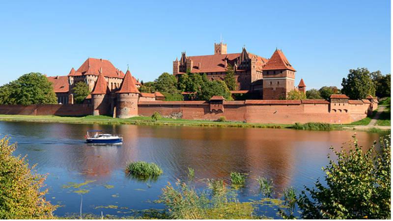 Fortaleza gótica de Malbork, la más grande en ladrillo del planeta