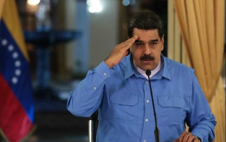 Nicolas Maduro evalúa un nuevo precio del combustible.