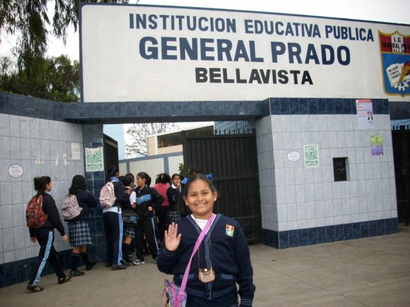 Actualmente cursa el 1er año de bachillerato en la Unidad Educativa femenina General Prado de El Callao Peru