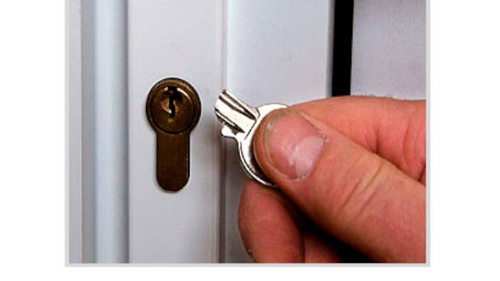 El problema de las puertas cuando no hay mantenimiento