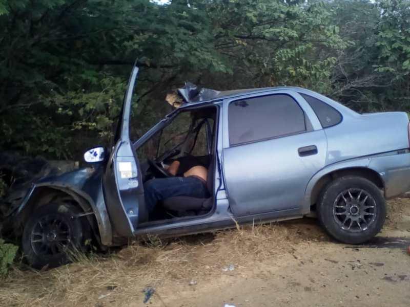 El conductor del Corsa quedó muerto de manera inmediata.