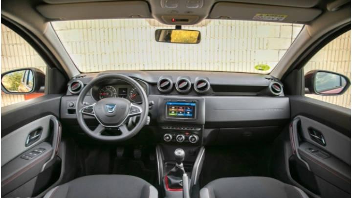 El SUV Duster de Dacia interior de mas funcionalidad que calidad de presentación.
