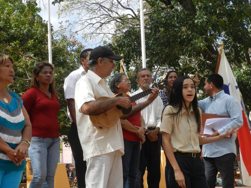 María José Coronil entonó el tema musical Venezuela