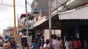 Colas y aglomeraciones se ven en la avenida Rómulo Gallegos