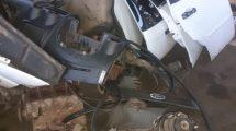 Partes de un vehículo el cual esta solicitado por robo.