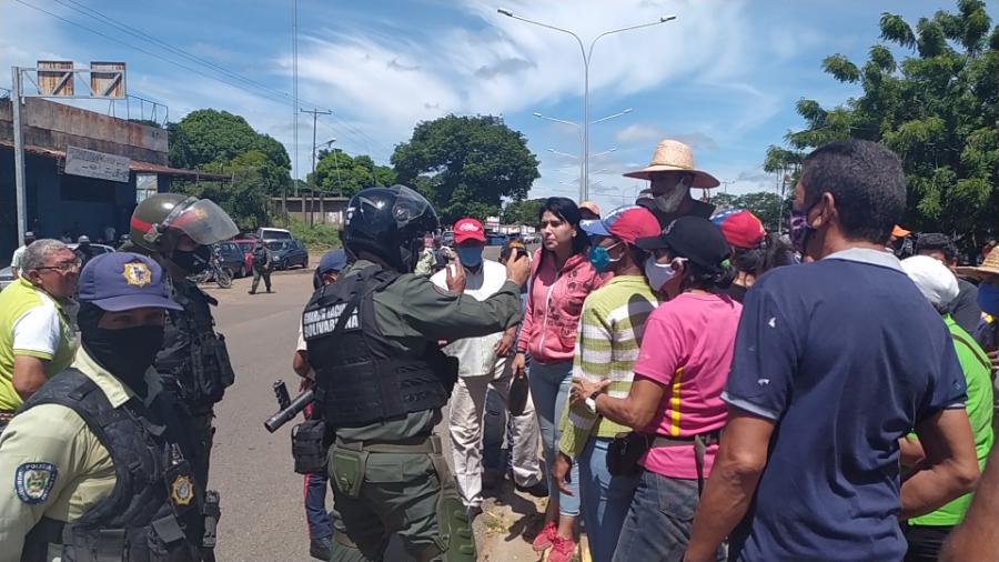 Efectivos de la GNB llegaron al sitio en conjunto con funcionarios del Iapatmi.