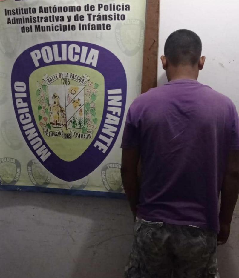 El hombre fue capturado y presentado ante la Fiscalía.