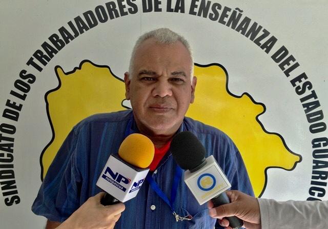 Prof. Luis Medina al suministrar la información