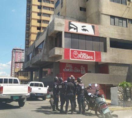 Saltó del piso 8 del Edificio de Lácteos los Andes en Barquisimeto