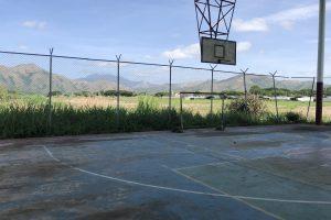 En la desidia se encuentra cancha deportiva del sector Aeropuerto, en San Juan.